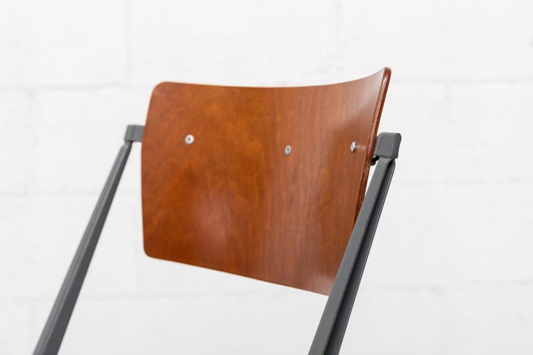 Rare Set of 4 Rietveld ''Pyramid'' Chairs for Ahrend the Cirkel For Sale 5