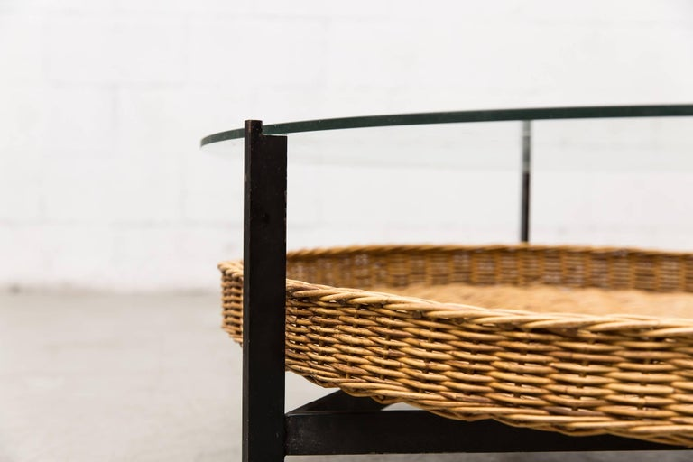 Modernist Two-Tiered Round Coffee Table with Rattan Basket In Good Condition For Sale In Los Angeles, CA
