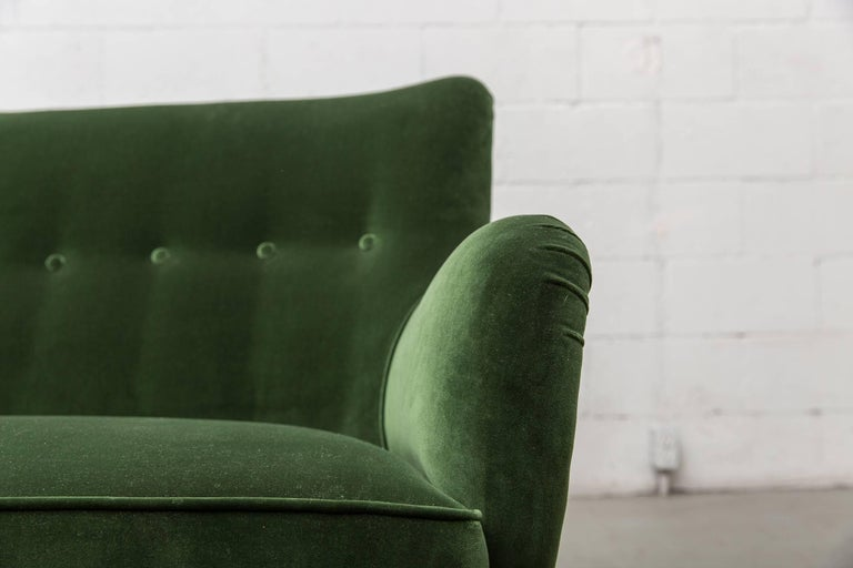 Gorgeous Artifort Emerald Green Velvet Sofa by Theo Ruth 8