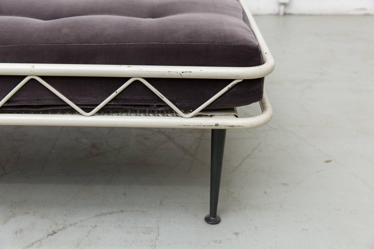 Rare Wim Rietveld Arielle Daybed for Auping, 1953 In Good Condition For Sale In Los Angeles, CA