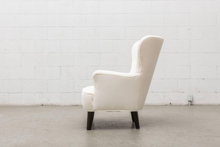 Dutch Gorgeous Pair of White Velvet Theo Ruth Lounge Chairs by Artifort For Sale