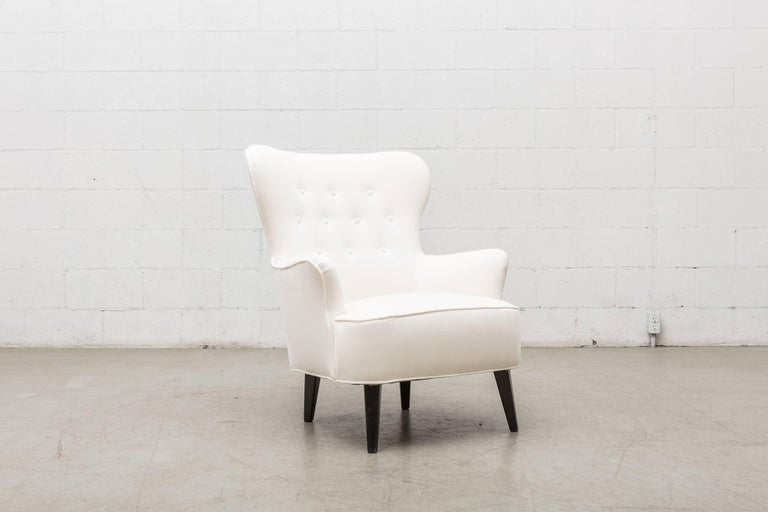 Fabric Gorgeous Pair of White Velvet Theo Ruth Lounge Chairs by Artifort For Sale