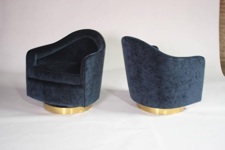 Milo Baughman Teardrop Swivel Chairs in Blue and Gold In Excellent Condition For Sale In Chicago, IL