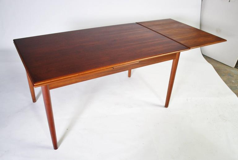 Danish Modern Expandable Dining Table and Chairs For Sale 2