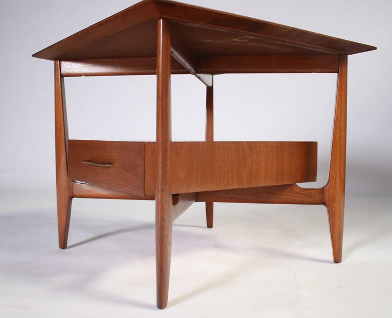 John Stuart Single Drawer End Tables Nightstands In Good Condition For Sale In Chicago, IL