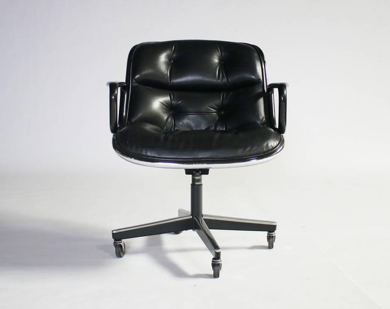 Charles Pollock for Knoll Executive Armchair 2