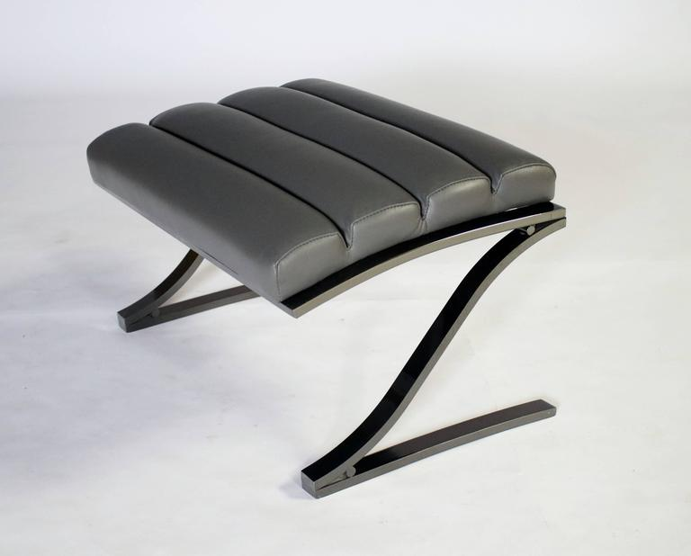 Design Institute of America Cantilevered Lounge Chair and Ottoman 5