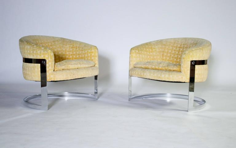 Milo Baughman Mid-Century Modern Cantilevered Chrome Barrel Chairs 5