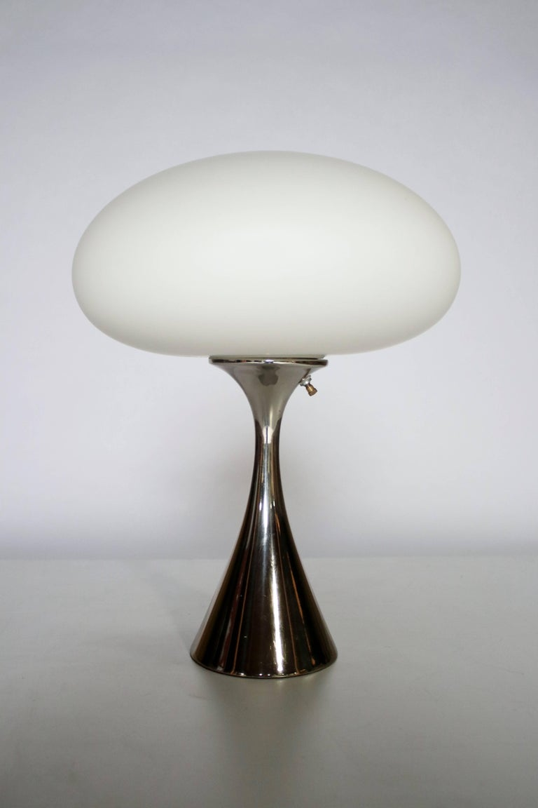 Mid-Century Modern Laurel Mushroom Table Lamp by Bill Curry For Sale