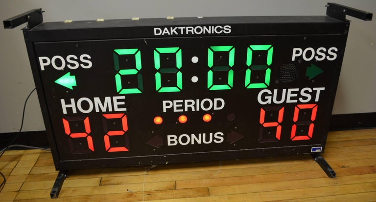 Basketball Scoreboard from Daktronics In Excellent Condition For Sale In Madison, WI