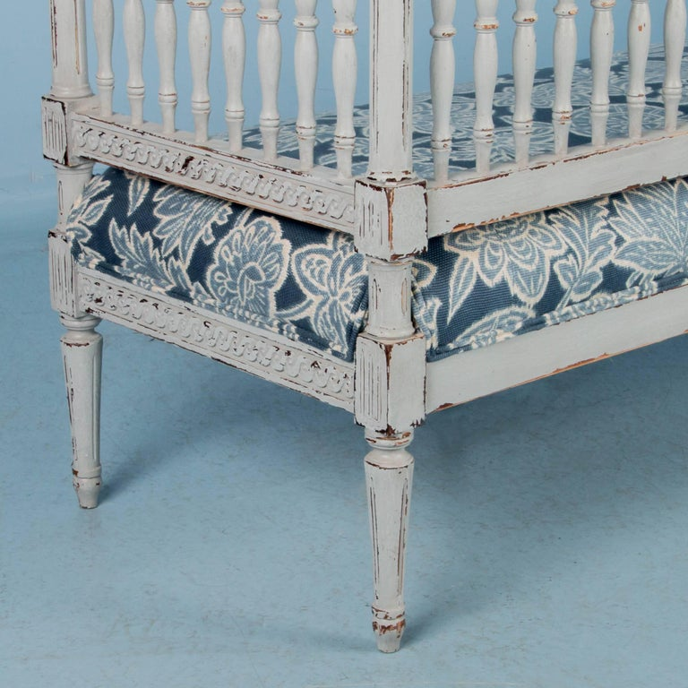 Swedish Gustavian Bench Painted Gray, Antique, 19th Century For Sale 4