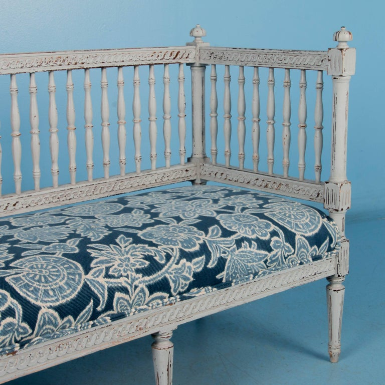 Swedish Gustavian Bench Painted Gray, Antique, 19th Century For Sale 3