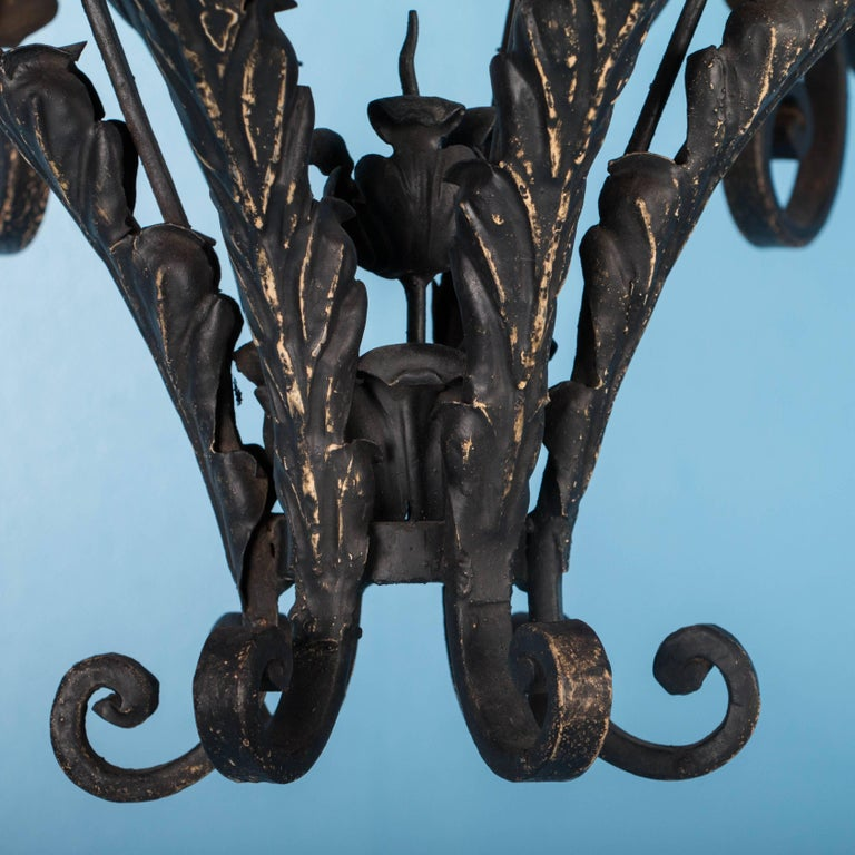 Antique French Twelve-Light Wrought Iron Chandelier For Sale 3