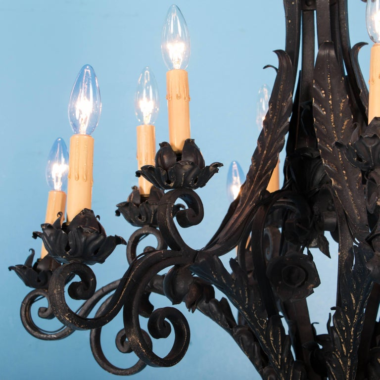 Antique French Twelve-Light Wrought Iron Chandelier In Good Condition For Sale In Round Top, TX