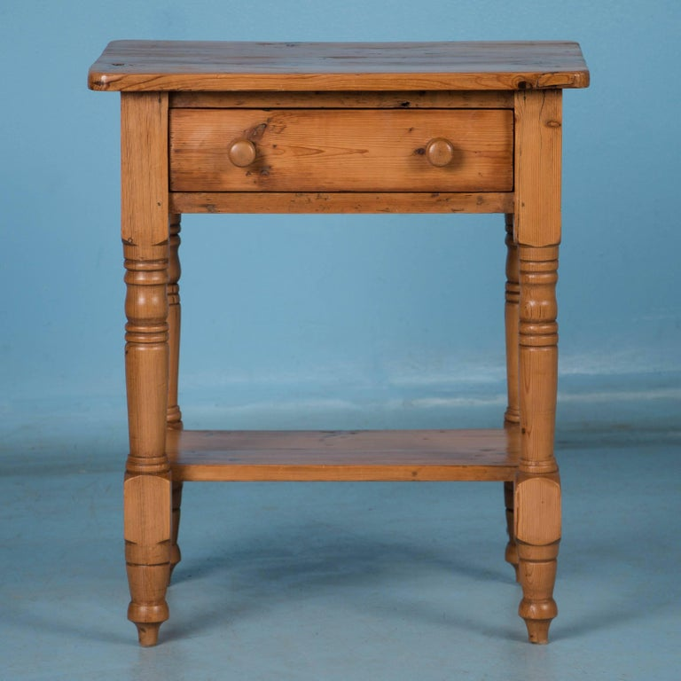 Small Antique Danish Pine Side Table In Good Condition For Denver Co