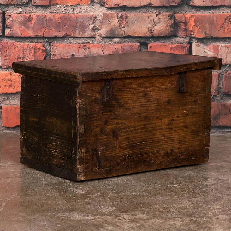 Small Antique Swedish Folk Art Painted Trunk or Box In Good Condition For Sale In Denver, CO