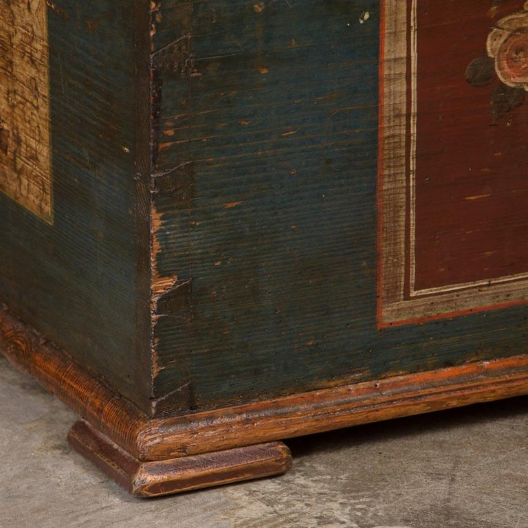 Antique Hungarian Trunk with Original Folk Art Paint For Sale 3