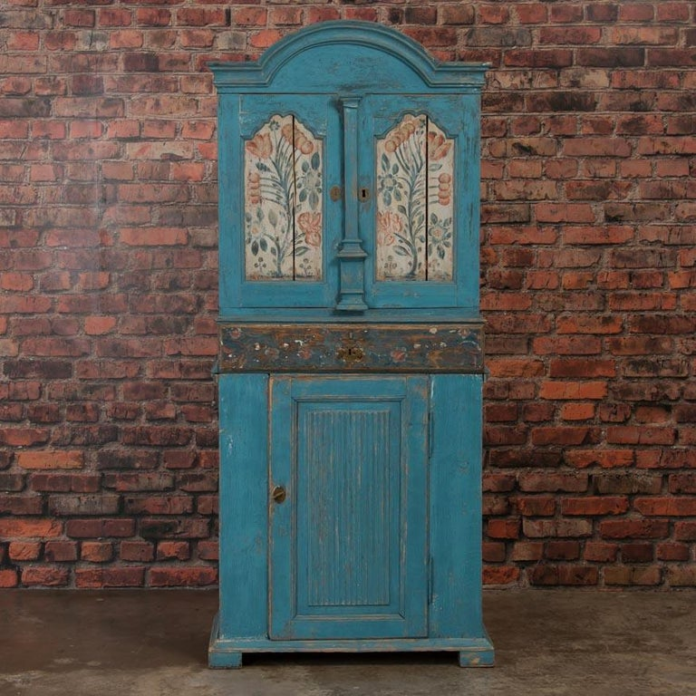Antique Swedish Blue Cabinet/Cupboard with Original Paint In Good Condition For Sale In Denver, CO