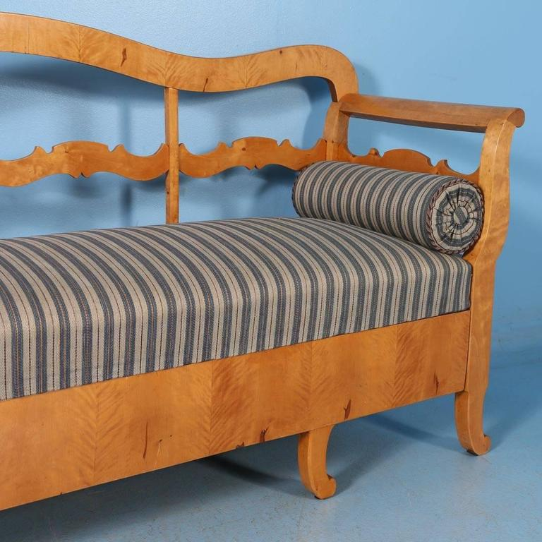 Antique Karl Johan Yellow Birch Bench Sofa From Sweden, circa 1840-1860 In Good Condition For Sale In Denver, CO