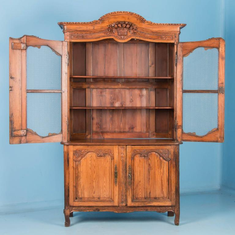 Antique 19th Century Hand-Carved French Provincial Bookcase Cabinet In Good Condition For Sale In Denver, CO