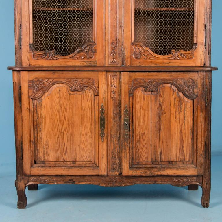 Antique 19th Century Hand-Carved French Provincial Bookcase Cabinet For Sale 1