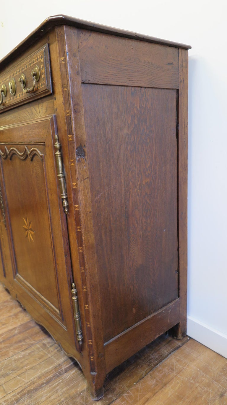 French Provincial Sideboard In Good Condition For Sale In New York, NY
