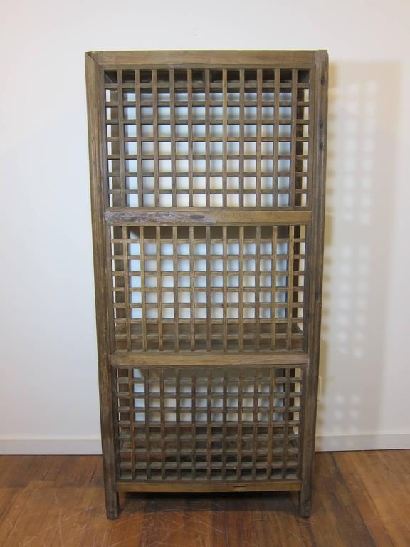 Rustic Bookcase In Distressed Condition For Sale In New York, NY