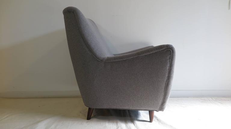 Mid-Century Modern Italian Gio Ponti Style Lounge Chair For Sale