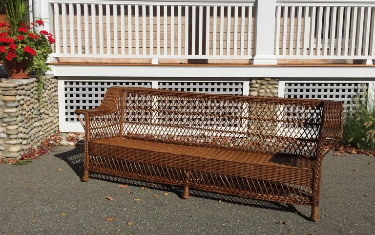 Antique Bar Harbor Wicker Sofa In Excellent Condition In Old Saybrook, CT