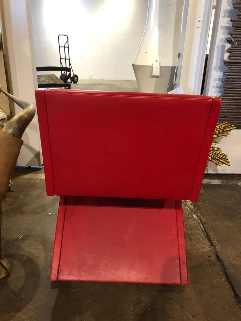 Modern Leather Desk Chair In Good Condition For Sale In Chicago, IL