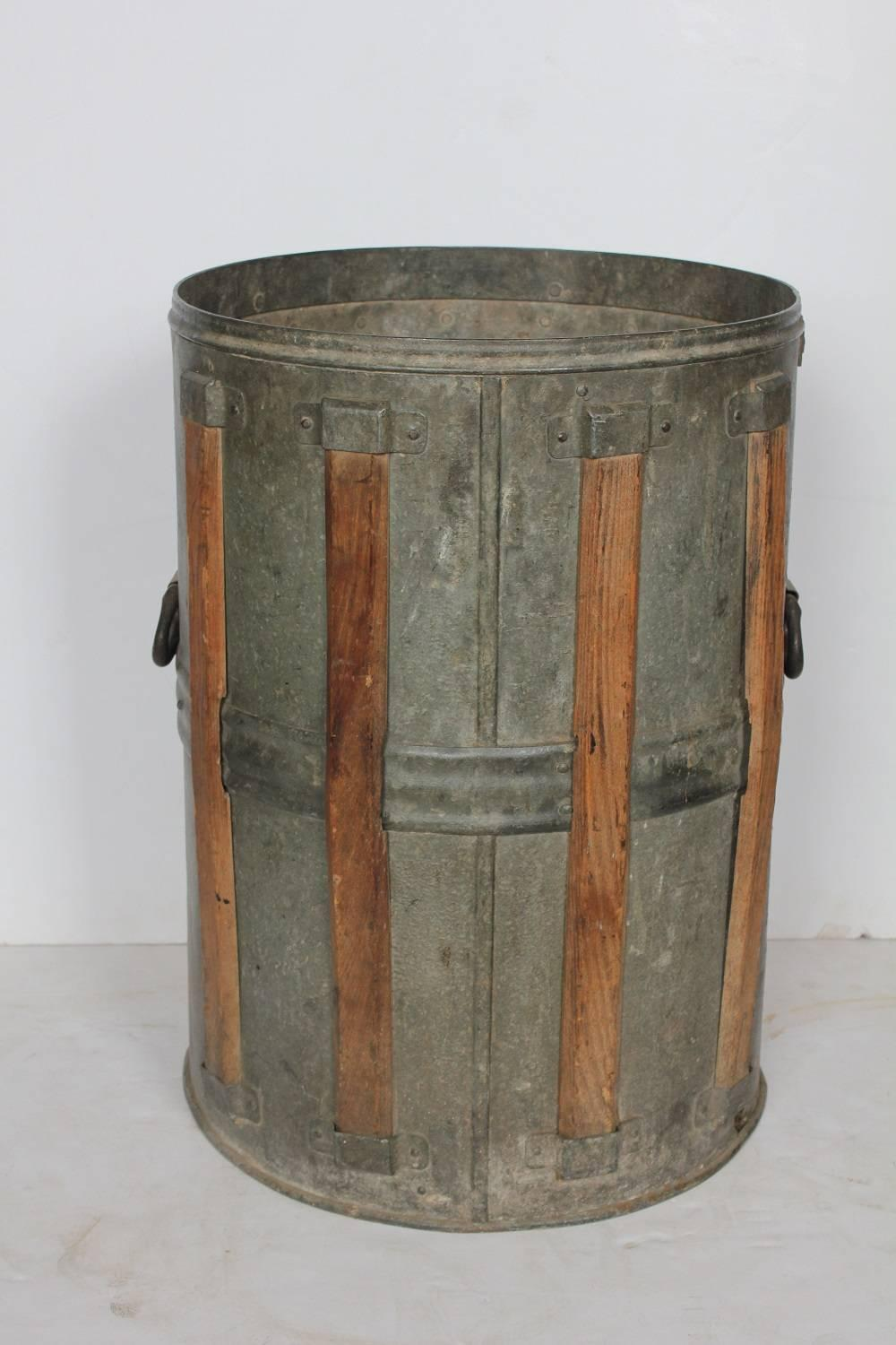 Antique rustic metal bucket at 1stdibs for Old metal buckets
