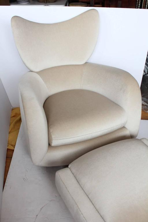1970s Swivel Lounge Mohair Chair and Ottoman by Vladimir Kagan 3
