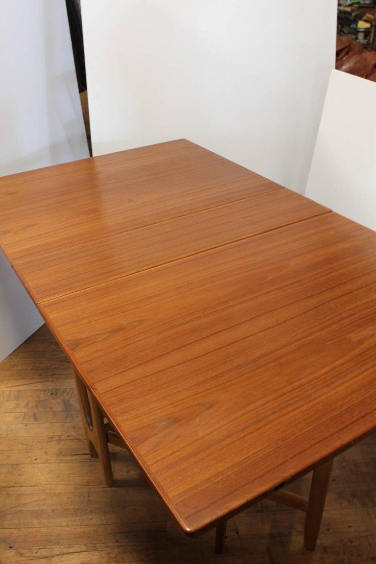 Midcentury gateleg folding dinning table for sale at 1stdibs - Folding gateleg table ...