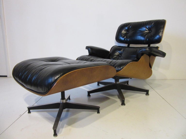 Eames 670 Lounge Chair with Ottoman by Herman Miller For Sale 2