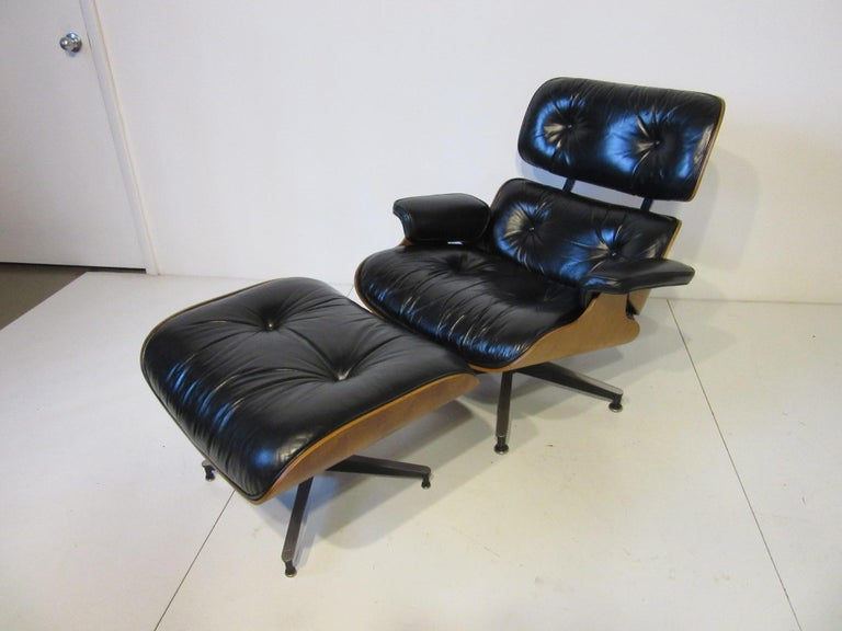 Eames 670 Lounge Chair with Ottoman by Herman Miller For Sale 3