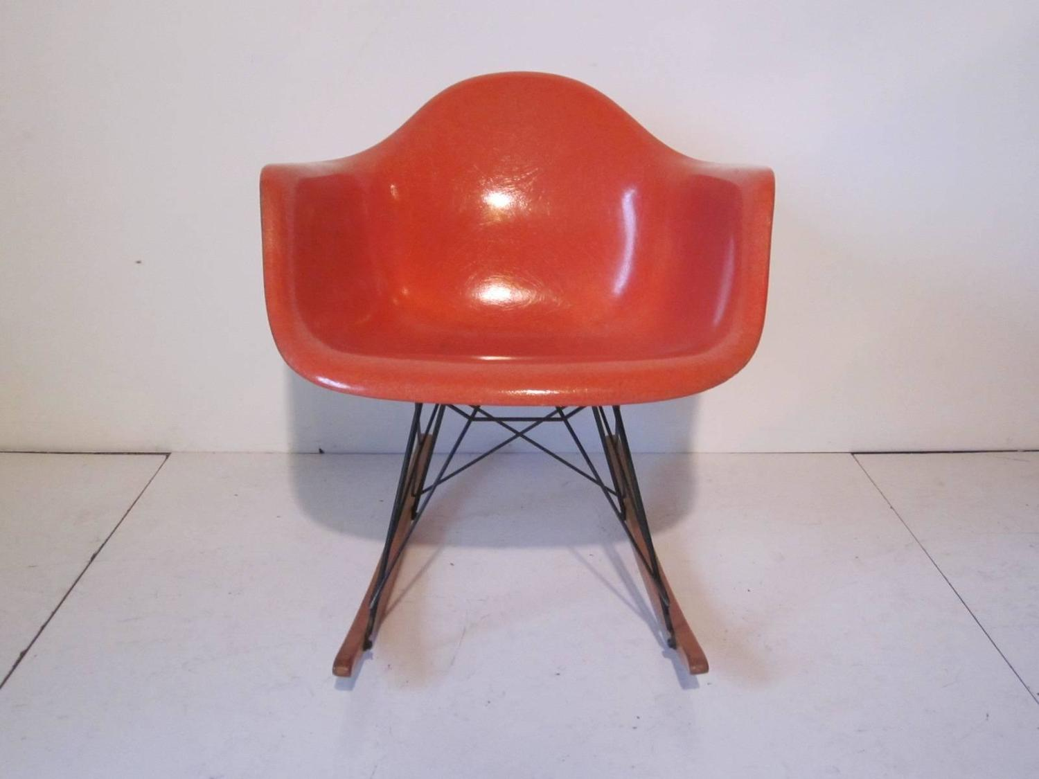 Vintage eames rocker for herman miller at 1stdibs - Vintage herman miller ...
