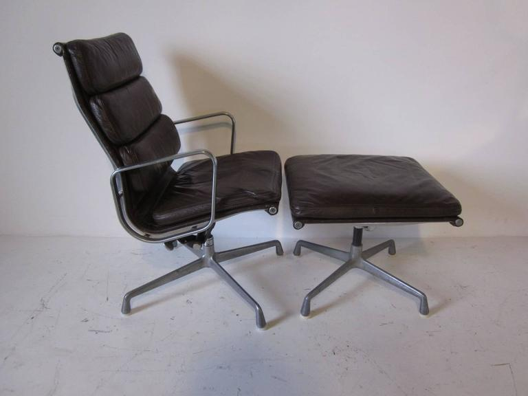 Eames Soft Pad Aluminium Group Chair With Ottoman At 1stdibs