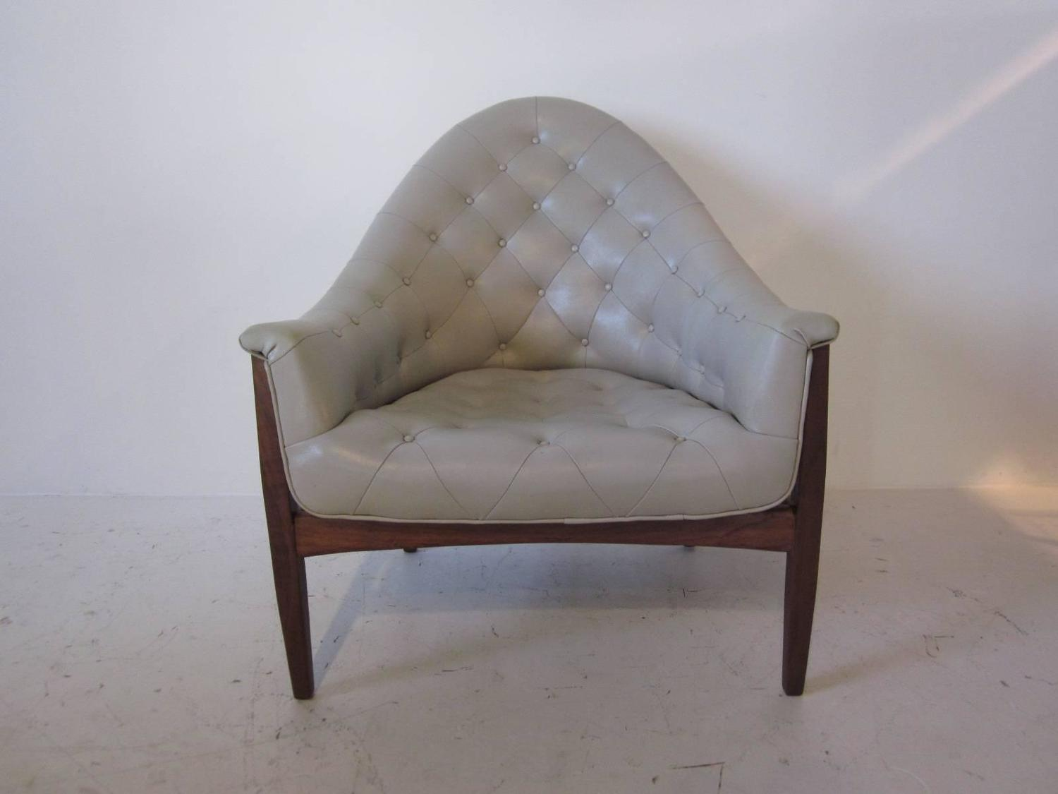 Milo Baughman Tufted Lounge Chair For Sale at 1stdibs