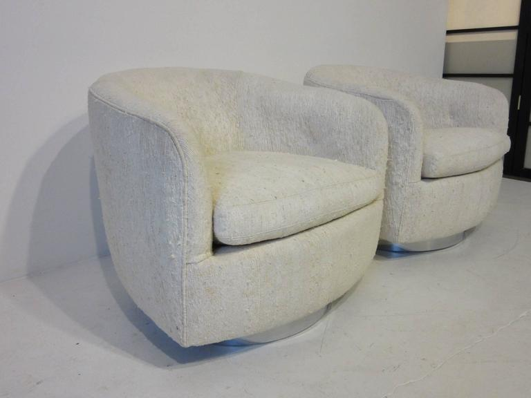 Milo Baughman Swivel And Rocking Barrel Back Chairs At 1stdibs