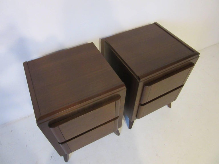 Eliel Saarinen Nightstands for R-Way Modern In Excellent Condition For Sale In Cincinnati, OH