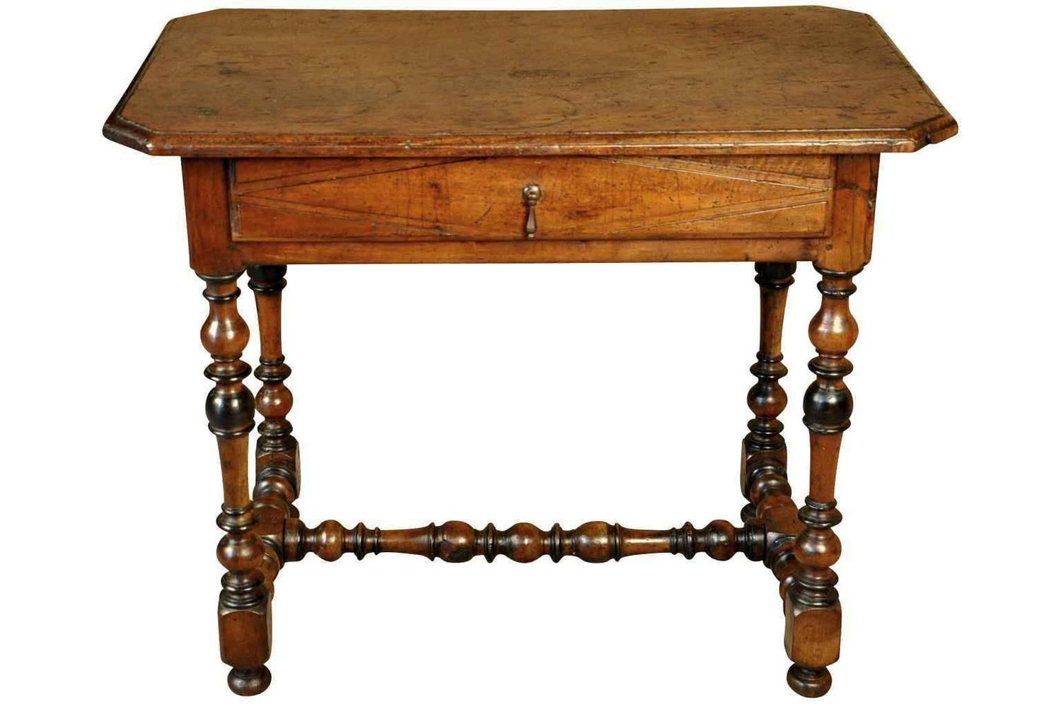french 17th century louis xiii period side table at 1stdibs. Black Bedroom Furniture Sets. Home Design Ideas