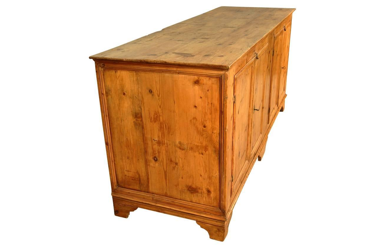 Italian 18th Century Credenza In Pine For Sale At 1stdibs