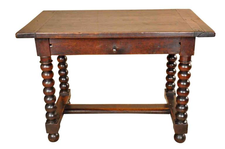 french 18th century louis xiii style side table or writing table for sale at 1stdibs. Black Bedroom Furniture Sets. Home Design Ideas
