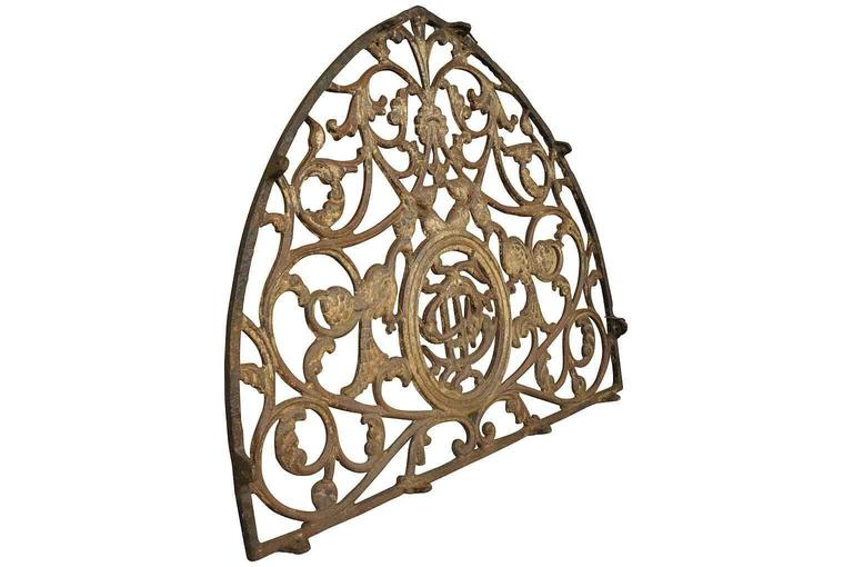 French 18th Century Gothic Style Architectural Fragment In Good Condition For Sale In Atlanta, GA