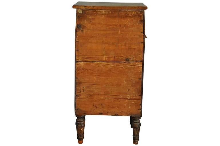 Italian Early 19th Century Side Cabinet or Nightstand For Sale 1
