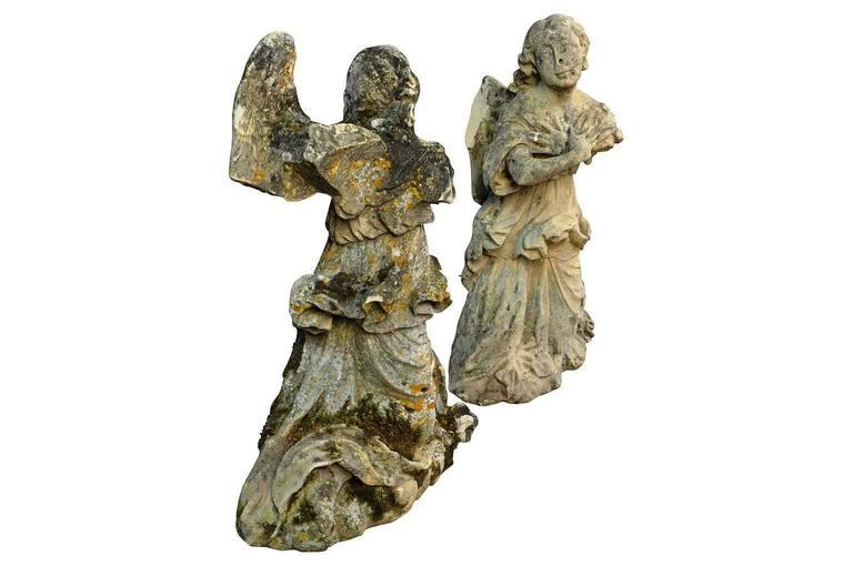 Stunning Pair of French 18th Century Stone Angels In Good Condition For Sale In Atlanta, GA