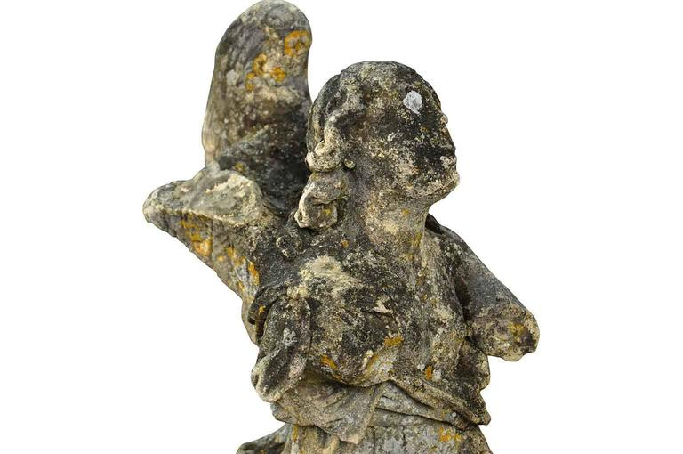 Stunning Pair of French 18th Century Stone Angels For Sale 4