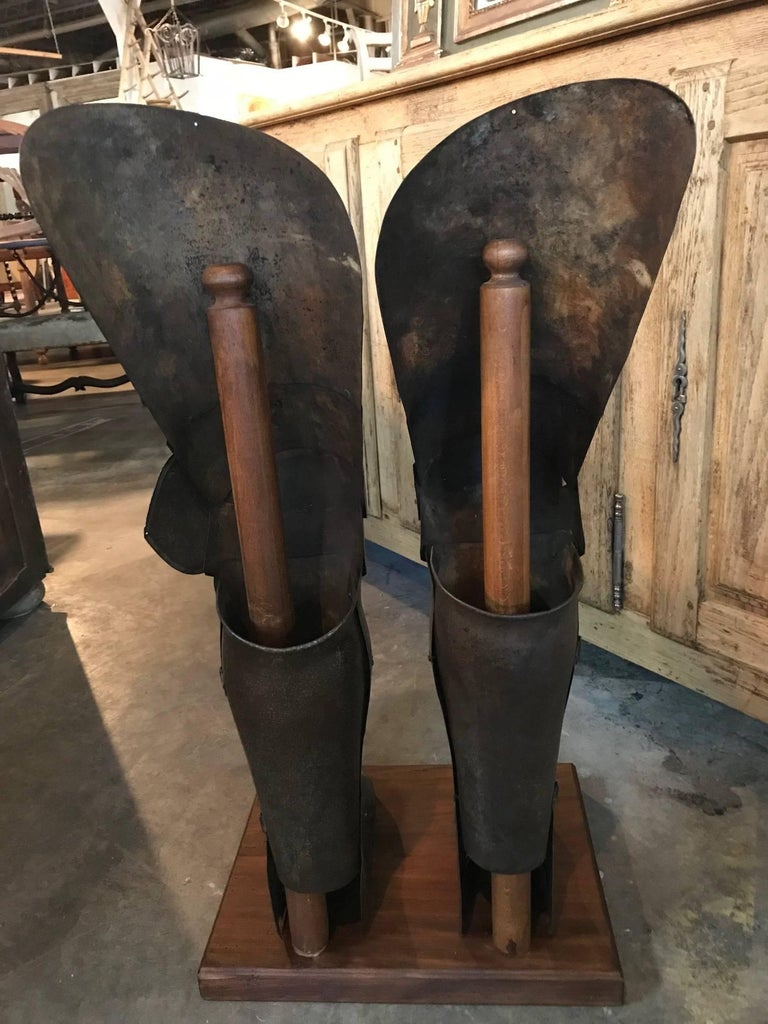 Italian 16th Century Jambieres, Leg Armour In Excellent Condition For Sale In Atlanta, GA