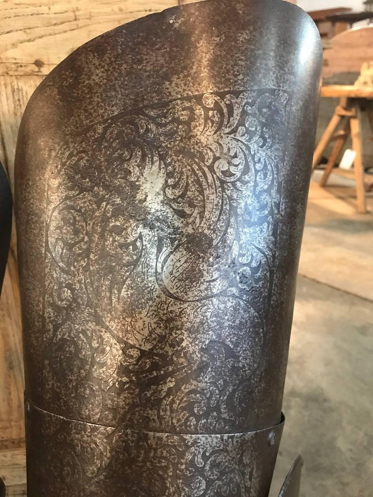 Italian 16th Century Jambieres, Leg Armour For Sale 1