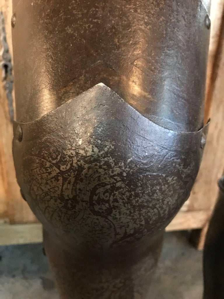 Italian 16th Century Jambieres, Leg Armour For Sale 2